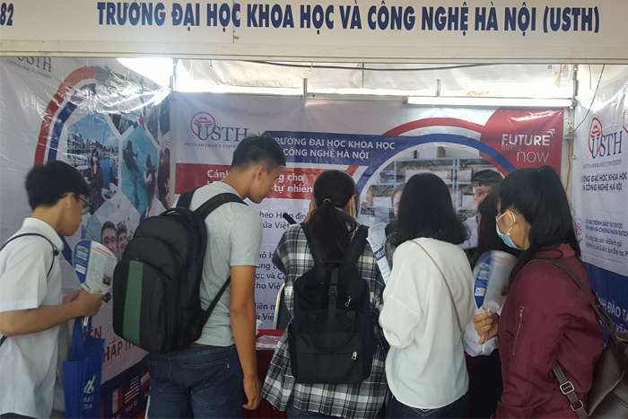 A number of students went to USTH's booth