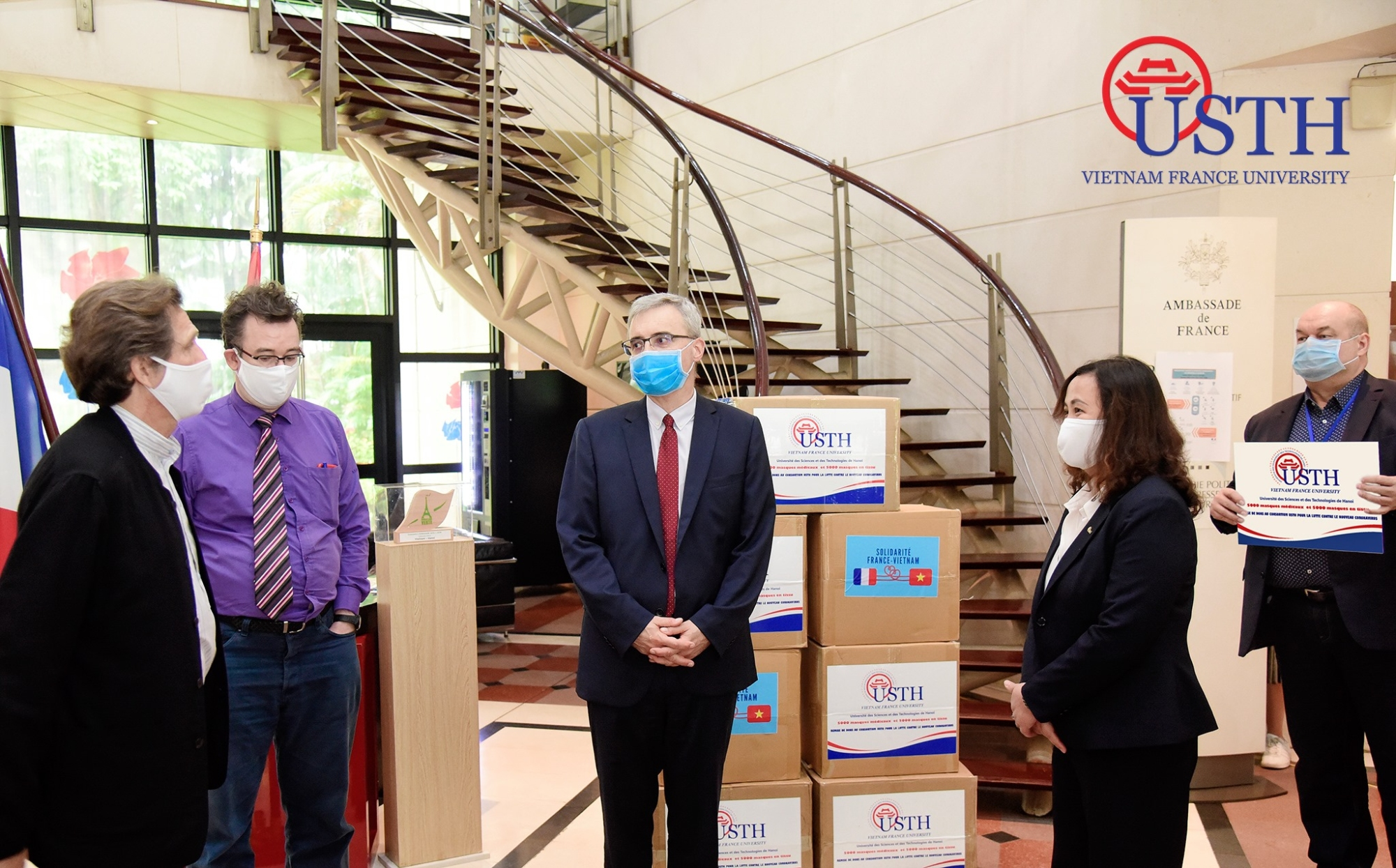 usth gifted 10 000 facemasks to french partners 1