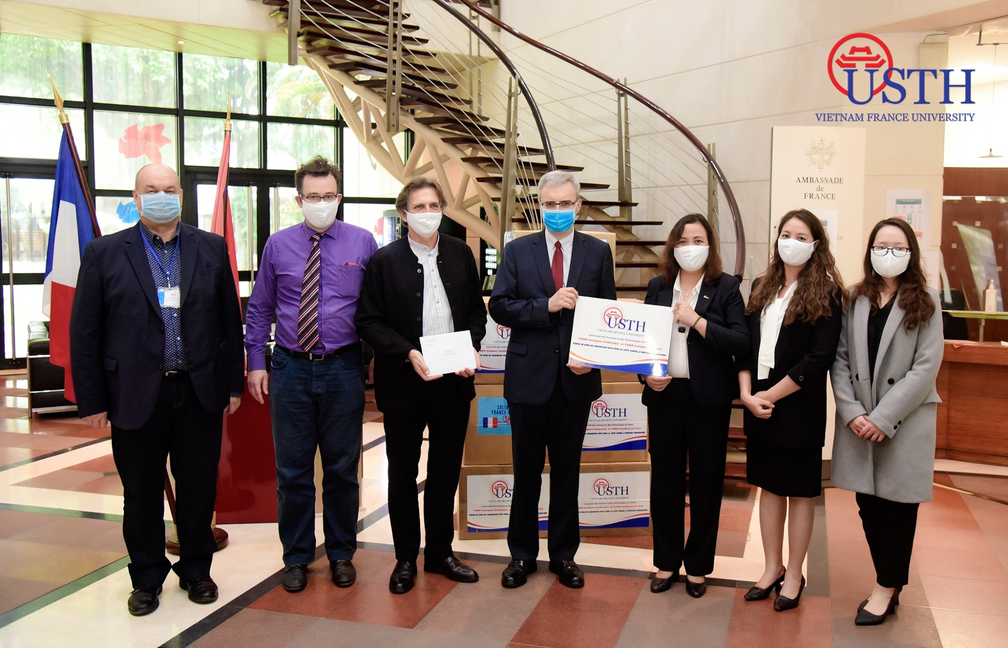 usth gifted 10 000 facemasks to french partners 3